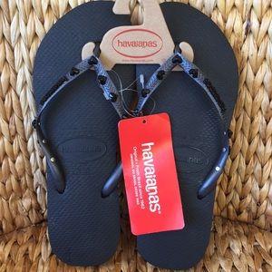 New Black Heart Rhinestone Havaianas Sandals 9/10